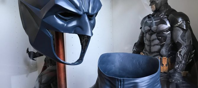 Batman Noël cowl and a neck piece in dark blue