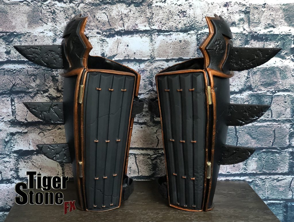 Batman Ninja gauntlets bracers for your costume (pic 2) (Samurai) - made by Tiger Stone FX