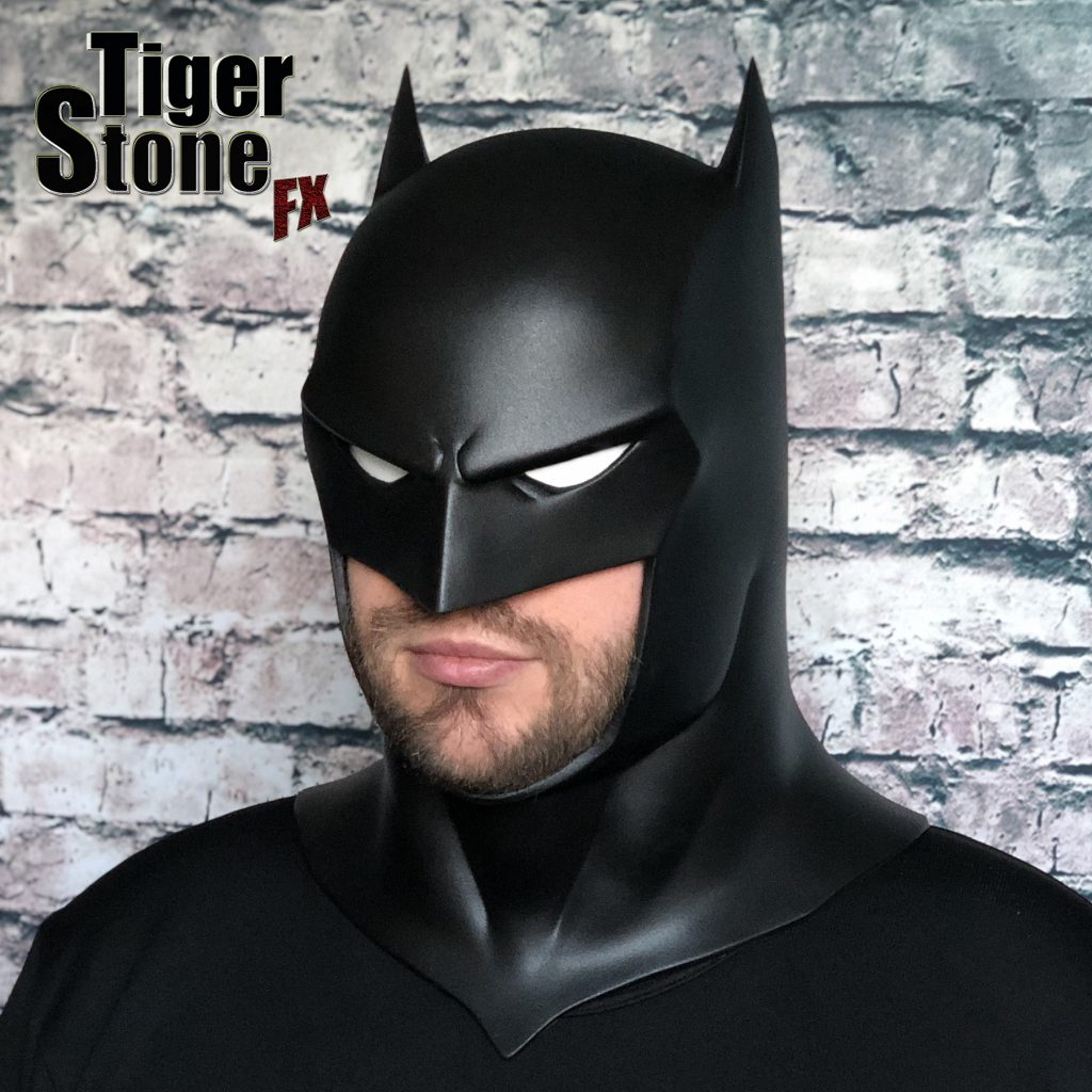 Capullo Batman cowl mask for your cosplay New 52 Rebirth Metal (right) Court of owls - made by Tiger Stone FX